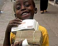 """国穷民""""富""""的津巴布韦:国库里一度只有217美元储备(组图)"""