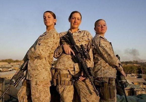 资料图片:美军女兵。(图片来源于网络)