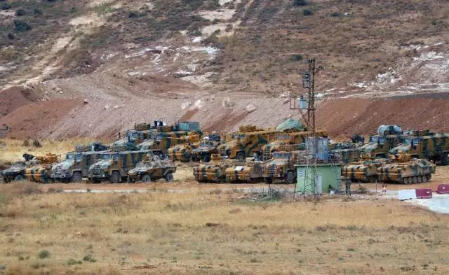 ▲10月9日,土耳其军车在土叙边境集结。 图/新华社