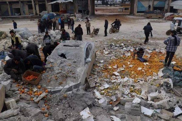 资料图片:饱受战火摧残的伊德利卜省街道。(图片来源于网络)