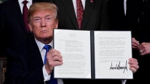 美国总统特朗普3月22日签署总统备忘录,将对从中国进口的商品大规模征收关税。