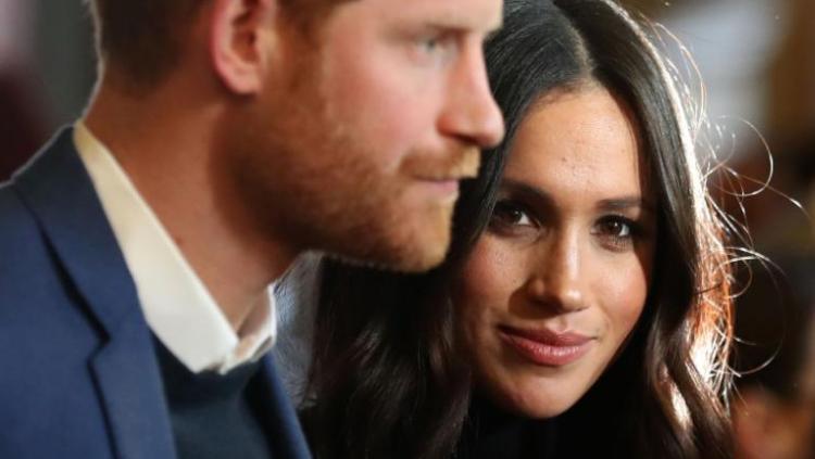 哈里王子与其未婚妻梅格汉·马克尔 图片来源:CNN