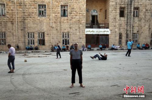 叙利亚一家精神病院,多数人因战争而蒙受阴影。