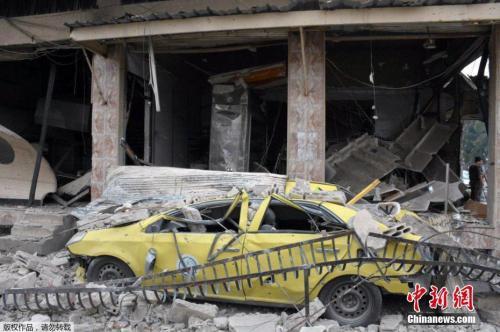 霍姆斯汽车炸弹袭击现场。