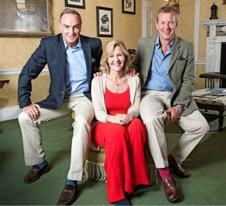 伊瓦尔·蒙巴顿勋爵将、詹姆斯·科伊尔与蒙巴顿前妻佩妮的合照(图片来源:英国《每日邮报》)
