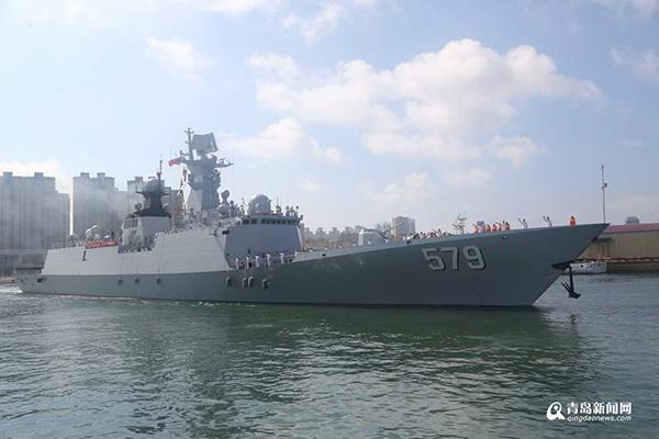 30批护航编队邯郸舰离港起航