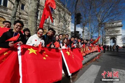 资料图:法国的华侨华人与留学生。<a target='_blank' href='http://www.chinanews.com/' _fcksavedurl='http://www.chinanews.com/'>中新社</a>记者 盛佳鹏 摄