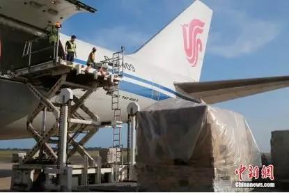 资料图:货运包机运送口罩(<a target='_blank' href='http://www.chinanews.com/' _fcksavedurl='http://www.chinanews.com/'>中新社</a>记者 王曦/摄)
