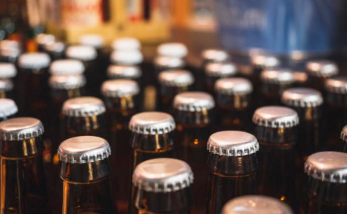南非医学研究委员会:黑市上的酒可能是致命的