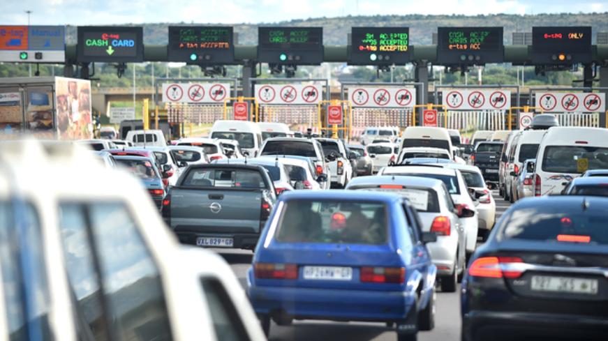 在严格封锁期间,豪登省和西开普省的交通流量下降了60%以上