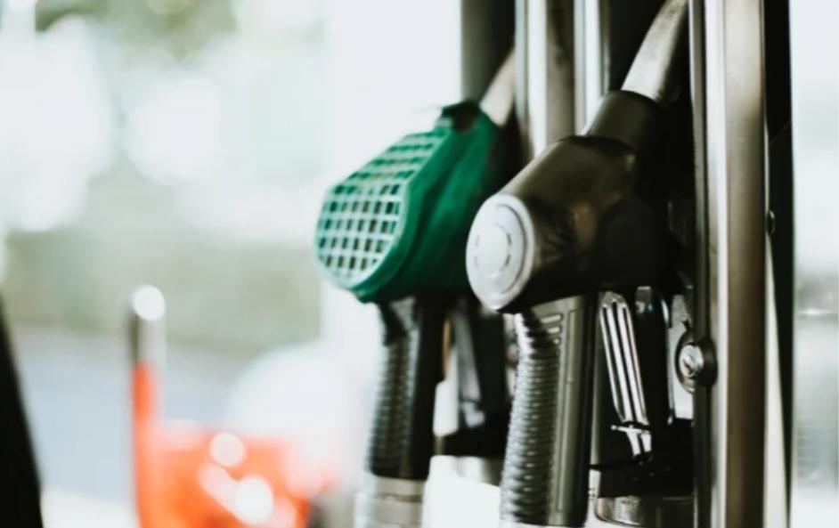 拒绝增加燃油税!Covid-19对企业和个人造成的金融破坏提高税收将适得其反