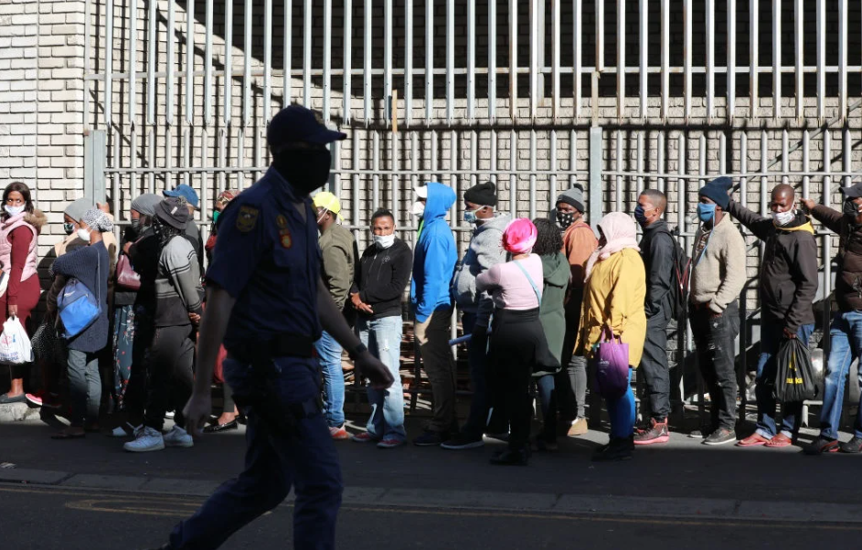 南非正规部门的工资受到了冲击,但就业率缓慢上升