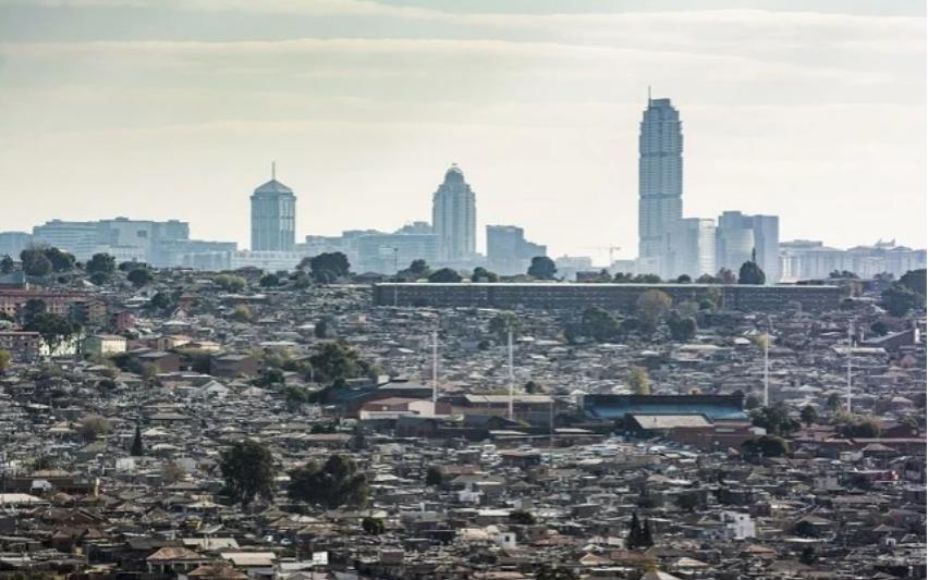 """南非将花费100亿兰特升级城镇,因为它面临着向城市的""""大规模移民"""""""
