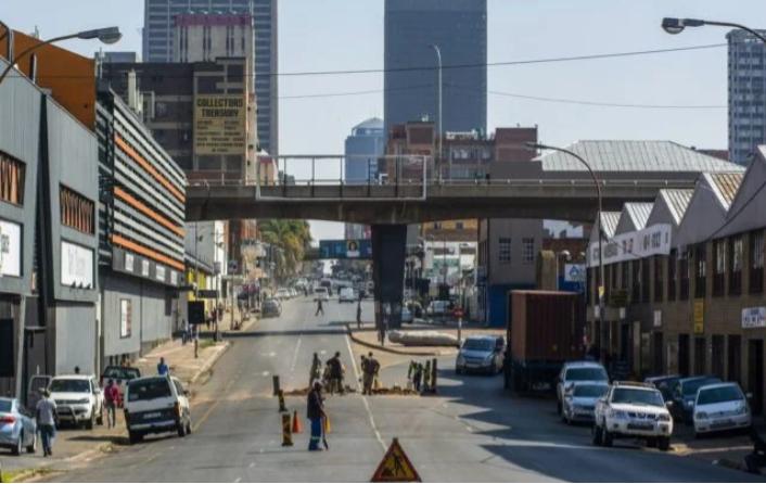 南非COVID-19,豪登省的医院将迎来艰难的几周