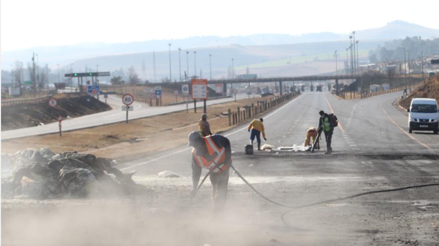 夸省和豪登省附近骚乱继续升级,N3高速关闭了