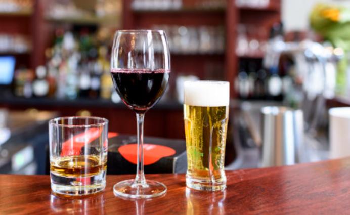 南非酒精行业对碰第四波疫情 完败!