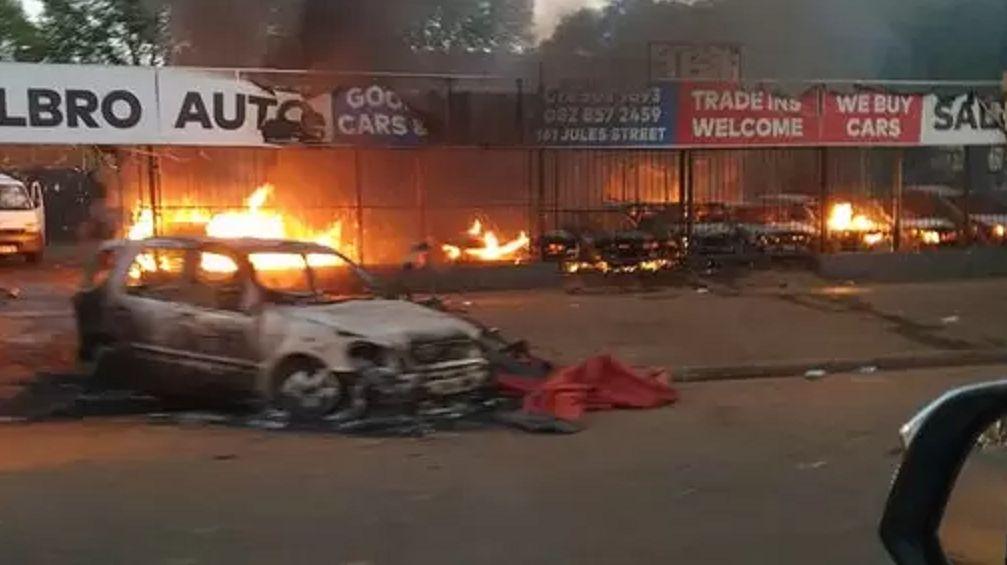 南非全国大暴乱-这场灾难可以说是蓄谋已久!