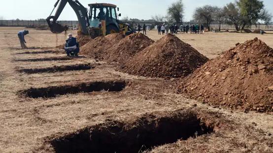 """南非疫情""""震中""""豪登省准备150万个墓地应对新冠死亡激增"""