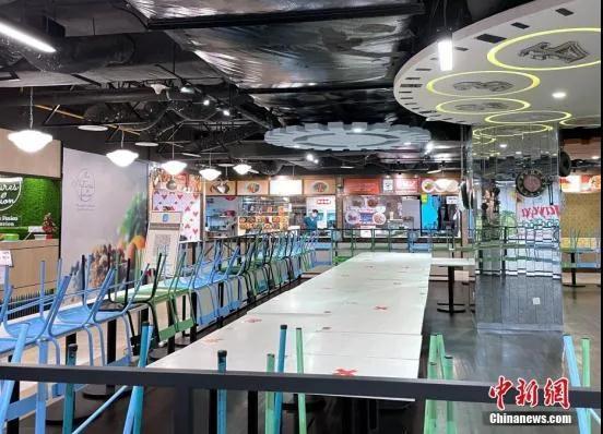 资料图:马来西亚一家商场内的美食中心。<a target='_blank'  data-cke-saved-href='http://www.chinanews.com/' href='http://www.chinanews.com/'>中新社</a>记者 陈悦 摄