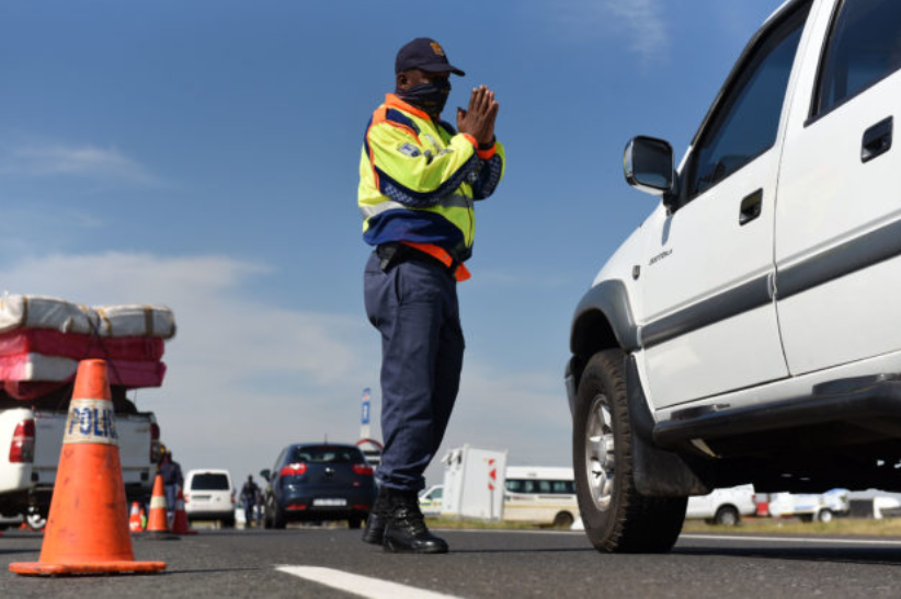 豪登省交警预计周一的交通量将会很大