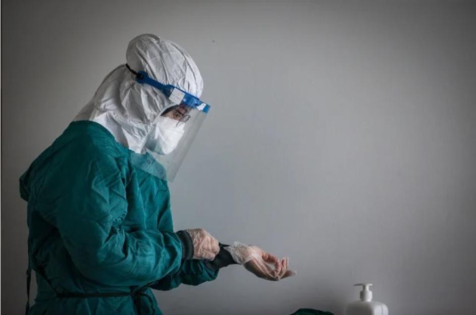 南非Covid-19:医护人员接种将在未来两周内完成
